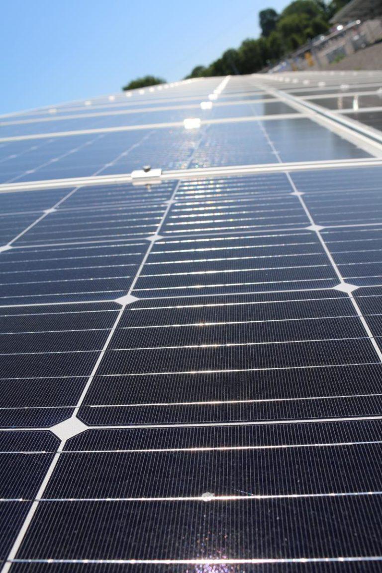 W jaki sposób działają ogniwa słoneczne w panelach